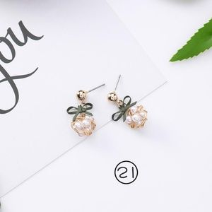 NEW FOREST Cute Pearl Bow Handmade Earrings 13